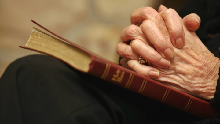 Credința, pusă în pericol de avere! Ce se poate întâmpla cu religiile pe măsură ce oamenii se îmbogățesc