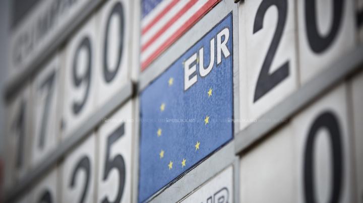 CURS VALUTAR 2 aprilie: Leul moldovenesc se depreciază în raport cu principalele valute