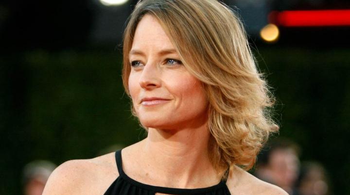Actrița Jodie Foster și-a inaugurat steaua pe celebrul Hollywood Walk of Fame din Los Angeles