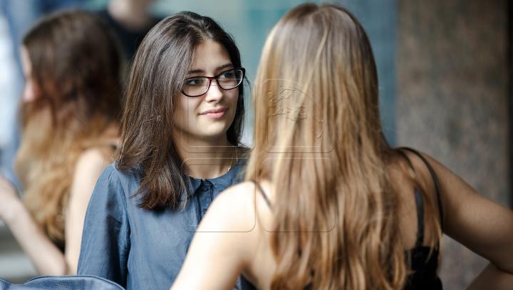 VESTE BUNĂ pentru tinerii moldoveni care îşi fac studiile în Europa