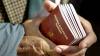 Moldovenii cu cetăţenie română trebuie să ştie ASTA. Decizia luată de Guvernul României