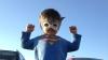 #LIKEPUBLIKA: Efecte din filme SF! Un băieţel împreună cu tatăl său au cucerit Internetul (VIDEO)
