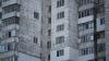 GEST DISPERAT. O tânără a sărit de la etajul patru al unui bloc din Capitală (VIDEO)