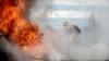 FUM şi SCÂNTEI sub podul de pe Ismail. Pompierii au intervenit în forţă (VIDEO)