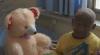 Povestea unui copil de 11 ani, care se transformă într-o statuie din cauza unei boli necruțătoare (VIDEO)