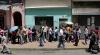 DISPERARE FĂRĂ MARGINI! Înfometaţi, venezuelenii jefuiesc camioanele care transportă mâncare