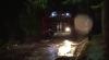 TEST DE REZISTENȚĂ! Polițiștii și pompierii au gonit toată noaptea pentru a răspunde la urgențe (VIDEO)