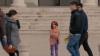 ŢI SE RUPE INIMA! Un experiment realizat de UNICEF demonstrează DISPREŢUL oamenilor faţă de copiii săraci