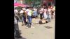 O SOŢIE ÎNŞELATĂ şi-a ieşit din minţi şi a BĂTUT-O măr pe AMANTA soţului în plină stradă (VIDEO)