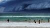 Furtună devastatoare în estul Australiei. Meteorologii au declarat Cod Roşu de inundaţii