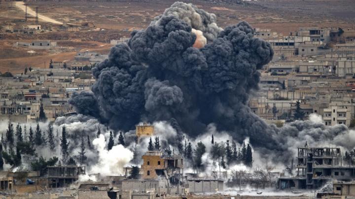 Siria: Circa 25 de civili, printre care şi copii, ucişi în raidurile aeriene orientate împotriva ISIS