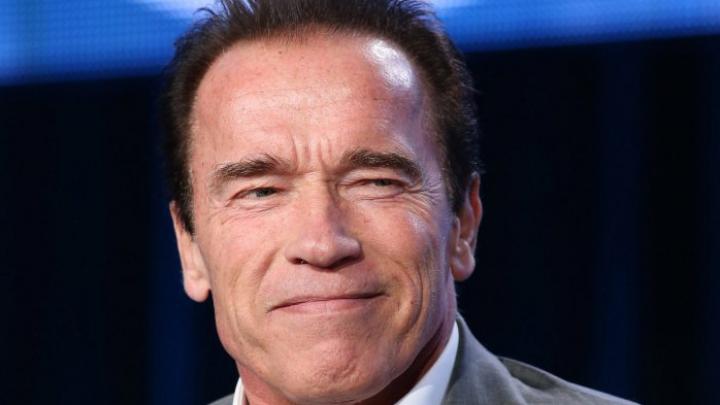 """""""Unii dintre noi trebuie să își schimbe pantalonii"""". Ce a pățit Schwarzenegger într-un safari din Africa"""