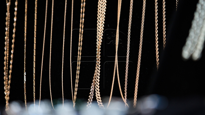 """""""Hoţii de aur"""", REŢINUŢI. Filmul evenimentelor privind atacurile asupra magazinelor de bijuterii din Capitală"""