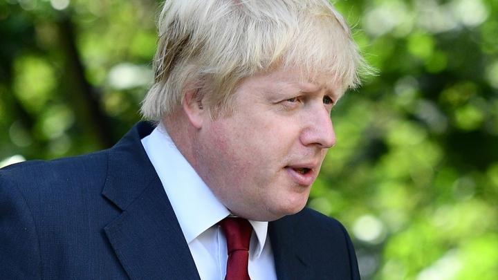 #BREXIT! Englezii sunt FURIOŞI! Au încercuit casa unuia dintre liderii mişcării pentru ieşirea din UE
