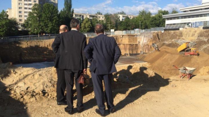 Grozavu spune care ar putea fi PRINCIPALA CAUZĂ a incidentului de pe şantierul Râşcani