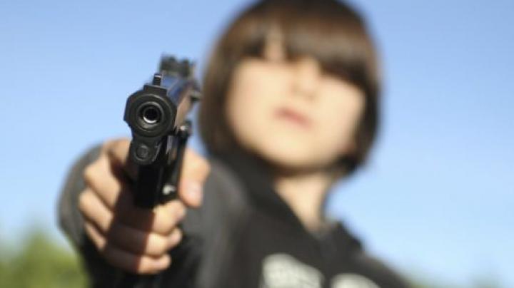 GROAZNIC! Un copil din Hânceşti, împușcat accidental cu o armă pneumatică. CUM A FOST SALVAT