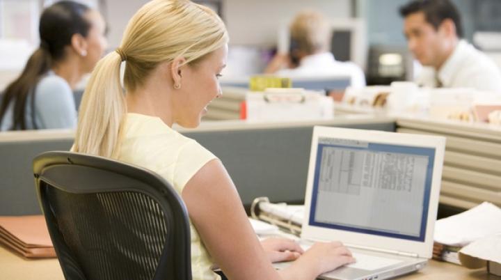 Problema gravă de sănătate pe care o pot avea cei care lucrează la birou