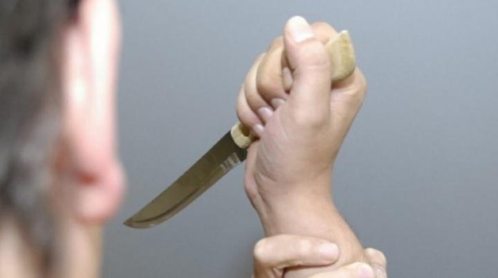 I-AU ORDONAT să facă un sacrificiu pentru Ramadan. O tânără A FOST ÎNJUNGHIATĂ cu un cuţit