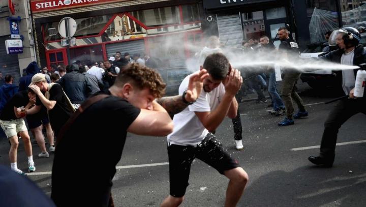 EURO 2016. Noi VIOLENŢE între suporteri, înregistrate la Lille. Mai multe persoane au fost arestate