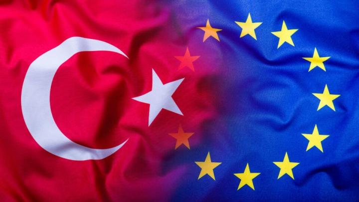 Oficial european: Turcia va beneficia de liberalizarea regimului de vize doar cu o condiţie