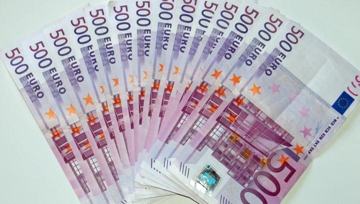 Ce se întâmplă cu euro dacă Marea Britanie iese din UE. Scenariul FMI