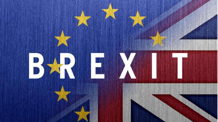 Britanicii UIMESC DIN NOU! Cine este autorul petiţiei privind apartenenţa Marii Britanii la UE