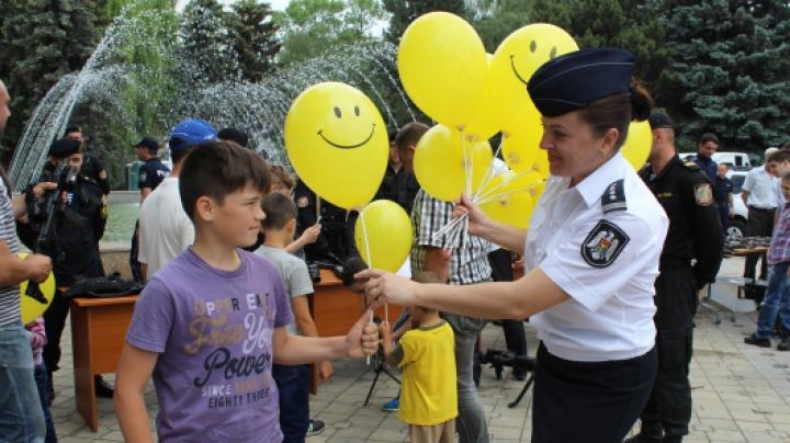 Ziua Internaţională a Copiilor, marcată de poliţişti
