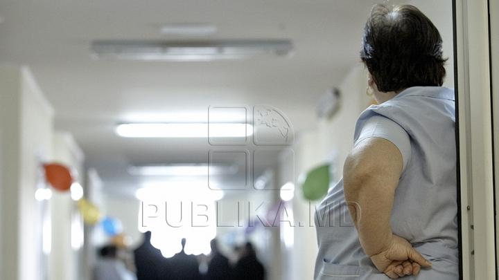 STRIGĂT DE AJUTOR pe holul unui spital din Capitală. Oamenii au intervenit imediat (FOTO)