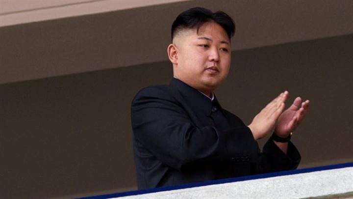 Kim Jong Un califică testul cu rachete un succes ce amenință bazele americane din Pacific