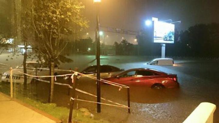 ANUNŢUL poliţiştilor pentru şoferii care şi-au pierdut plăcuţele de înmatriculare după ploaia de aseară