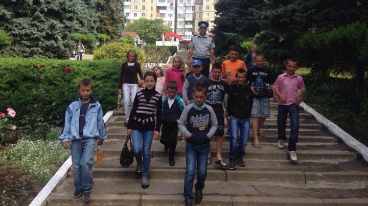 Polițiștii din Cimișlia au făcut o surpriză unor copii din familii social-vulnerabile din raion