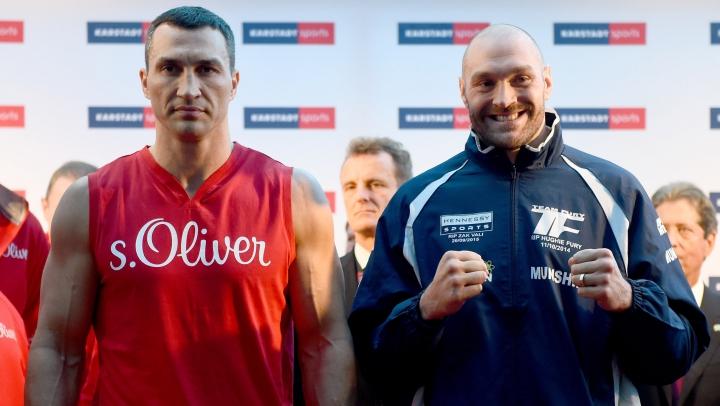 """""""Meciul anului"""" SE AMÂNĂ! Tyson Fury s-a accidentat înainte de duelul cu Vladimir Kliciko"""