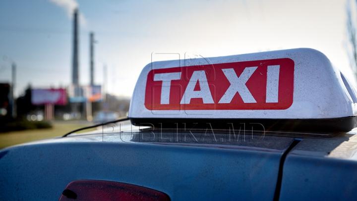 SCANDALOS! Un şofer de taxi refuză un client NEVĂZĂTOR dintr-un motiv absurd (VIDEO)