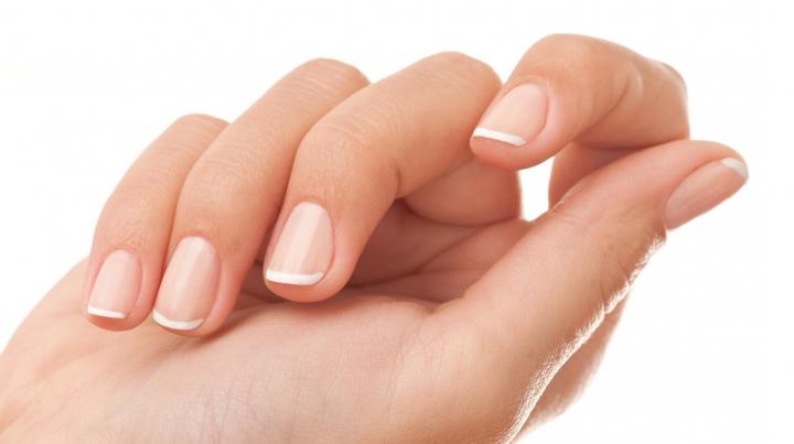 Ce înseamnă când lipsește semiluna de la baza unghiei. Mergi IMEDIAT la medic