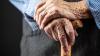 Clipe de coşmar pentru o bătrână din Drochia. Femeia a fost jefuită şi bătută cu bestialitate de doi hoţi