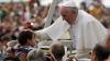 Aproape două MILIOANE de pelerini s-au adunat pe o pajişte din Cracovia pentru a-l asculta pe Papa Francisc