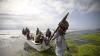 O navă din Grecia a fost capturată de piraţi. Câţi oameni erau la bord