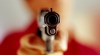 ATENŢIE, IMAGINI ŞOCANTE! Un copil filmat în timp ce împușcă un spion