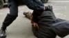 Un tânăr din Capitală, agresat şi jefuit de amicii de pahar. Ce a jurat victima