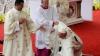 Papa Francisc a căzut în timpul slujbei la sanctuarul din Czestochowa (VIDEO)