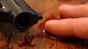 Tragedie. O femeie și-a găsit soțul zăcând într-o baltă de sânge, după ce acesta și-ar fi pus capăt zilelor