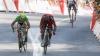 Final cu incidente! Un arc gonflabil s-a prăbuşit peste cicliştii de la Turul Franţei (VIDEO)