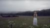 VIRAL! Ce face o tânără ca să strângă o cireadă de vaci (VIDEO)