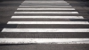Au demarat lucrările de marcaj rutier pe trecerile de pietoni. Părerile şoferilor şi ale pietonilor