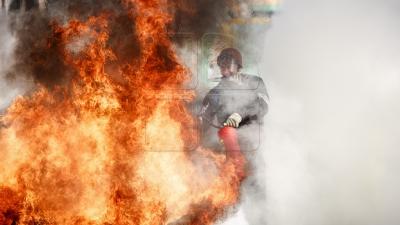 Incendiu în sectorul Buiucani din Capitală. Flăcările au cuprins mansarda unui bloc de pe strada Ion Creangă