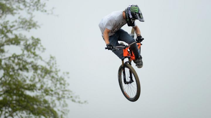 Brett Rheeder a câştigat cursa de ciclism în proba de slop-style, desfărşurată la Saalbach-Hinterglemm