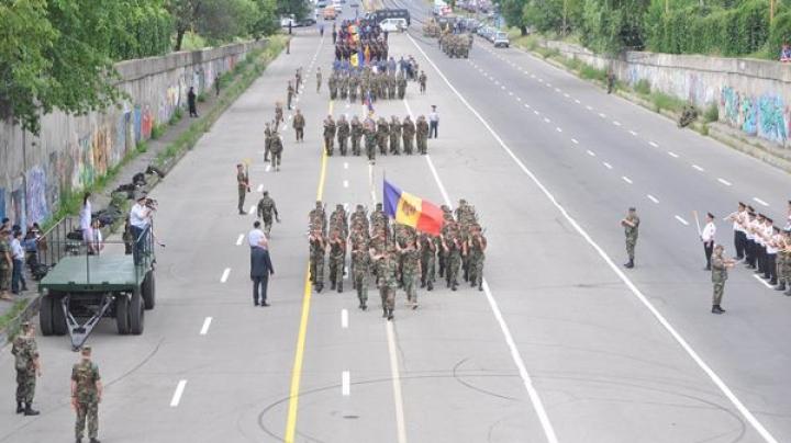 Militarii Armatei Naţionale au început repetiţiile pentru parada de Ziua Independenţei (FOTO)