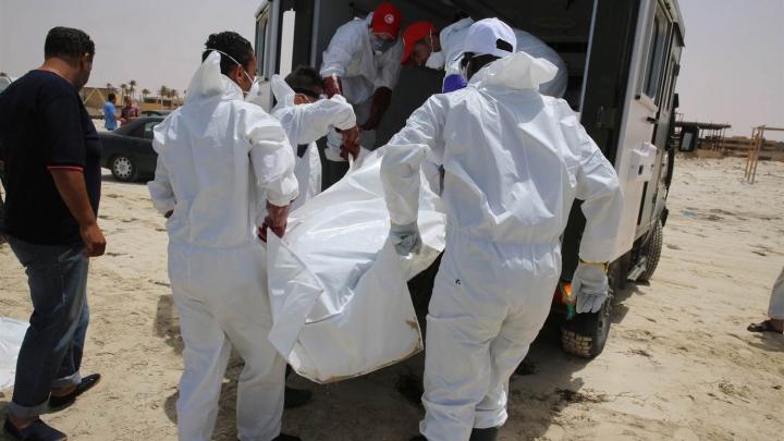 Corpurile a 22 de migranți, descoperite într-o barcă în Mediterană