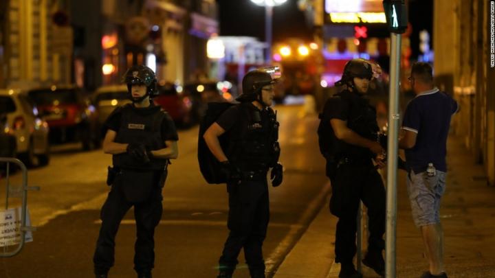 Statul Islamic amenință să își intensifice atacurile împotriva Franței