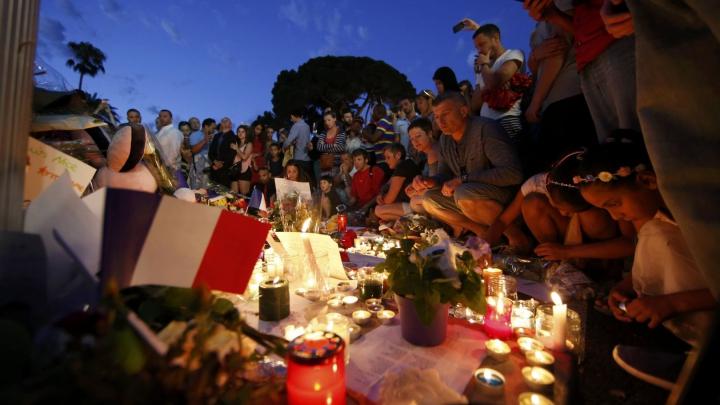 Victime ale atacului de la Nisa vor să depună PLÂNGERE împotriva statului